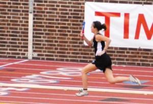 Amanda Bagnell finish line